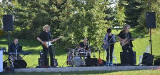 2013-09-08 Band Wideshot 1