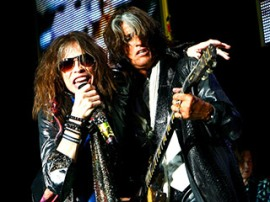 Steven Tyler and Joe Perry getting along for once...